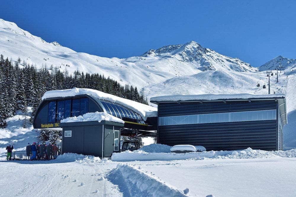 Seit dem Winter 14/15 bringt euch die 8er Gondelbahn Versing in See bis auf knapp 2500 Meter Höhe - © www.bergbahn.com