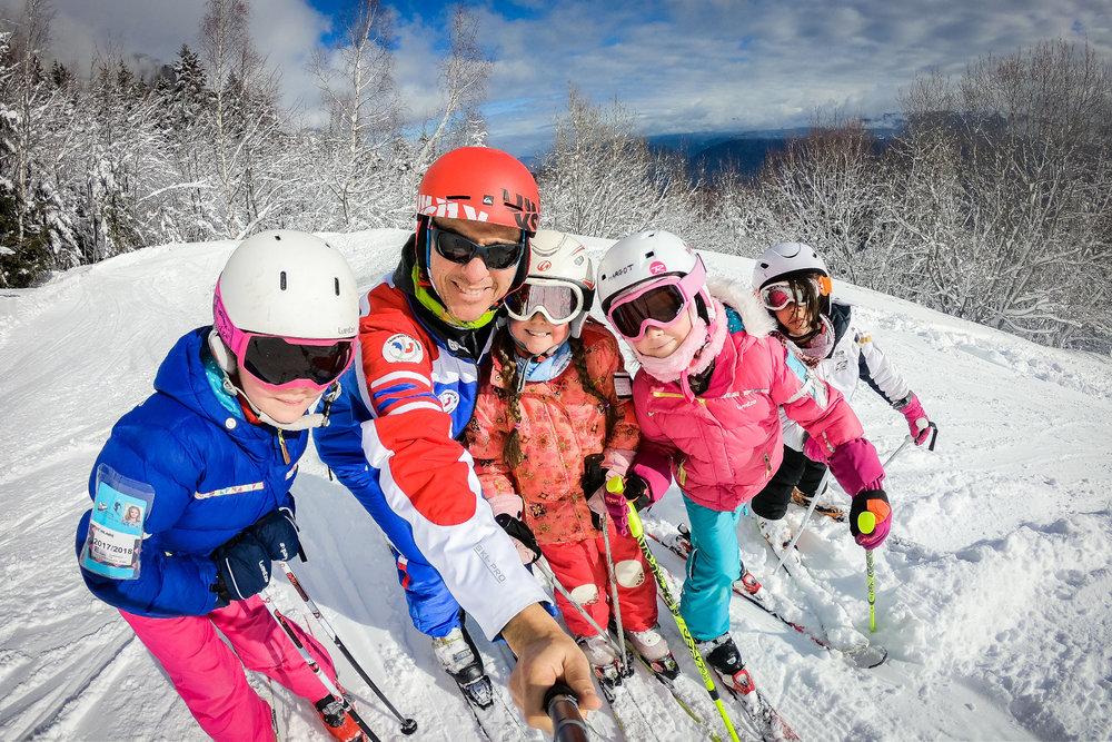 Les joies du ski en famille à Saint Hilaire du Touvet - © Bruno Lavit
