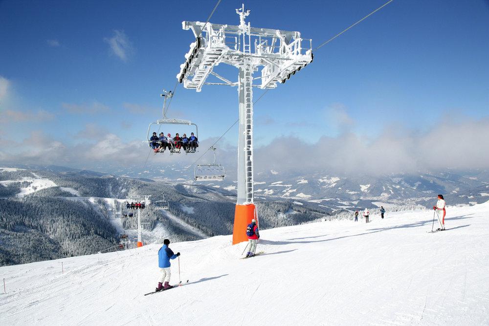 6-sedačka na Stuhlecku - © Bergbahnen Stuhleck