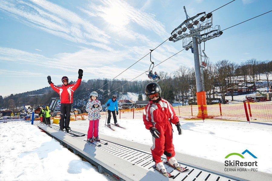 Prinášame dôležité rady pre rodičov, ktorí kupujú detské lyže - © SkiResort ČERNÁ HORA - PEC