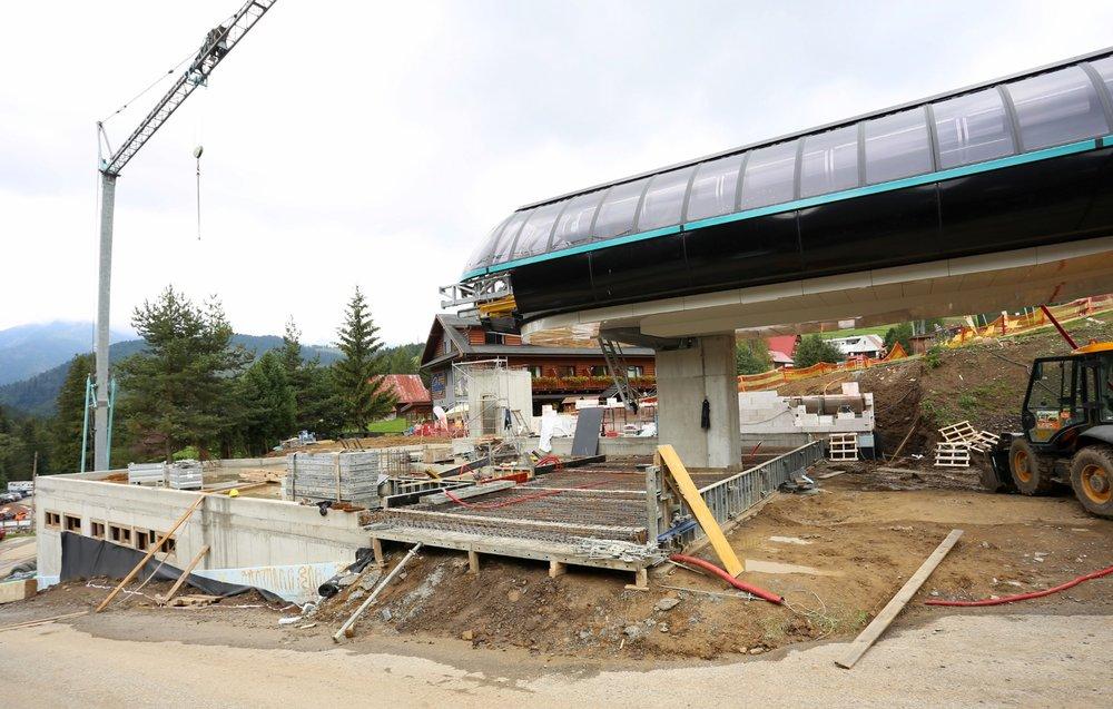 Práce na nástupnej stanici novej kabínkovej lanovky napredujú - © Bachledka Ski&Sun