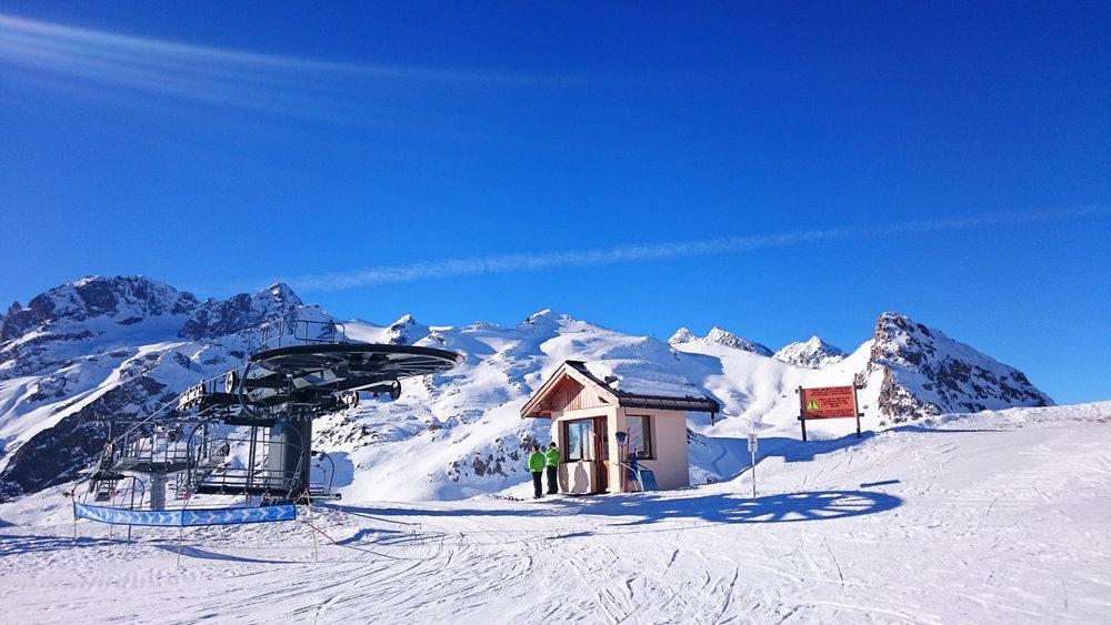 Une belle journée de glisse en perspective sur les pistes de ski de Serre Chevalier - © Office de Tourisme Serre Chevalier