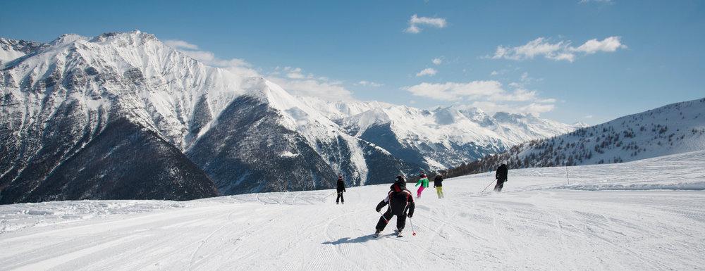 Tous schuss sur les pistes de ski de Sainte Anne la Condamine - © Manu Molle