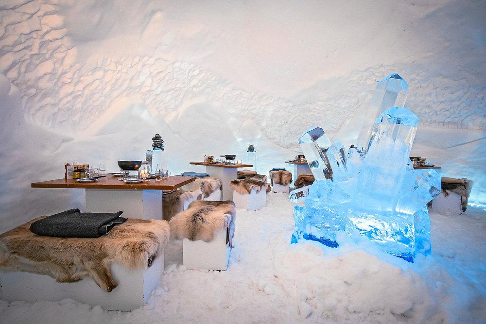 Impossible de quitter Adelboden avant d'avoir tenter l'expérience du diner fondue sous un igloo... - © Adelboden Tourismus / Stephan Boegli
