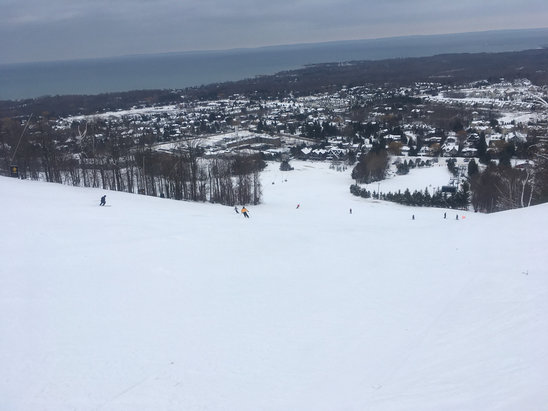 Blue Mountain - Had a nice first skiing day of this season  - © Dad's iPhone