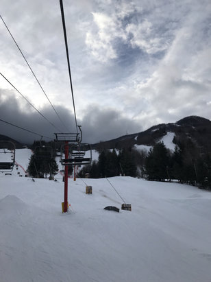 Hunter Mountain - Nice day. A bit of drizzle in the morning. Still nice skiing.  - © Susan's iPhone