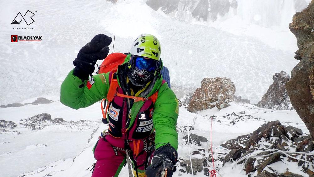 Adam Bielecki gehört zu den besten Höhenbergsteigern der Welt - © Adam Bielecki | BLACKYAK