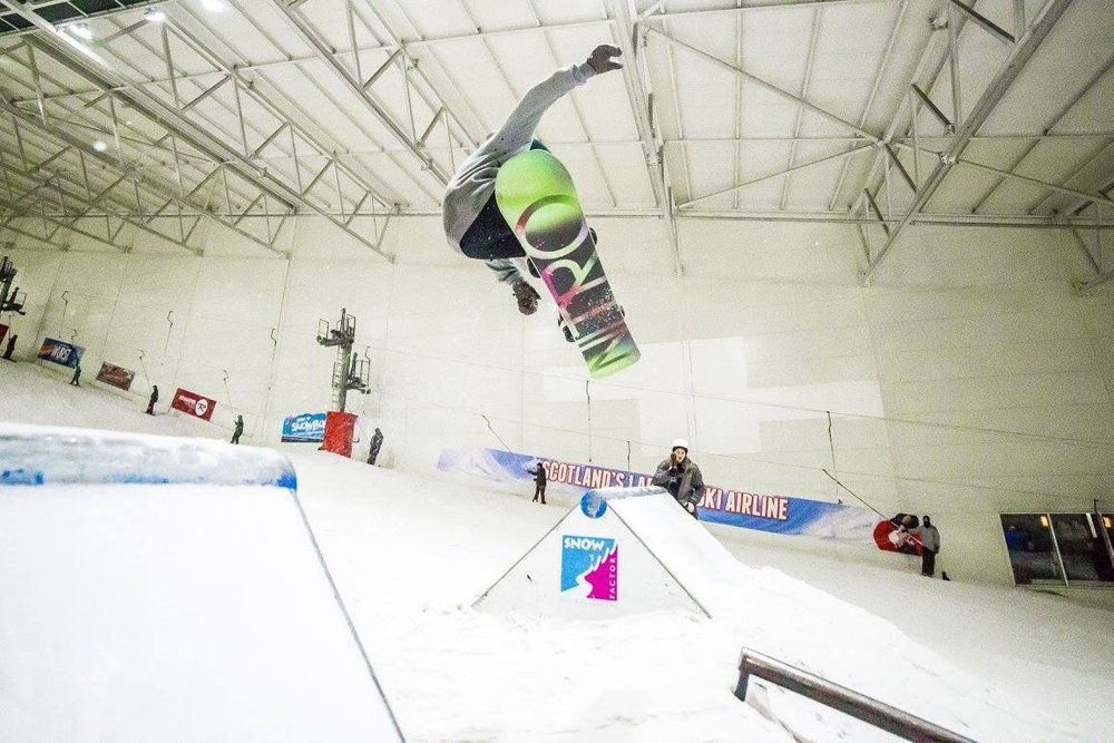 Airtime in a freestyle session at Snow Factor Braehead - © Snow Factor