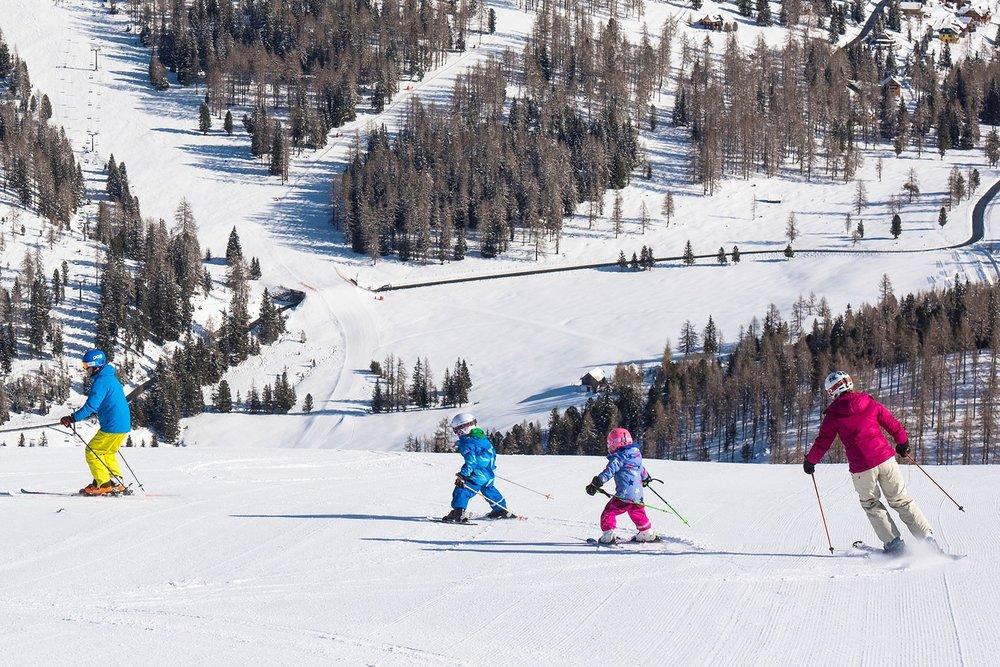 Prinášame dôležité rady pre rodičov, ktorí kupujú detské lyže - © http://www.hochrindl.at