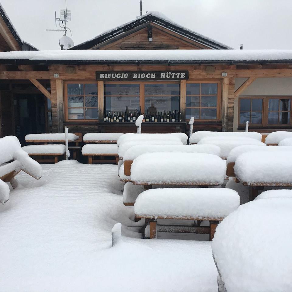 Alta Badia, Rifugio Bioch Hutte - Oltre 20 cm di neve fresca in quota. - © Facebook Alta Badia