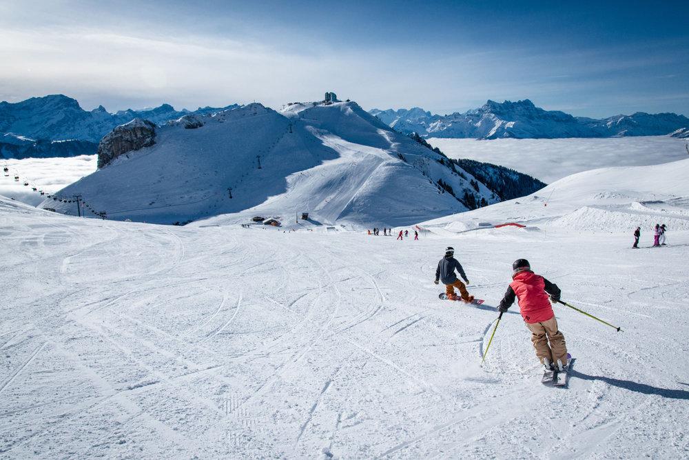 Expérience de glisse unique au coeur des Alpes Vaudoises, sur les pistes de ski de Leysin - © D.CARLIER / davidcarlierphotography.com