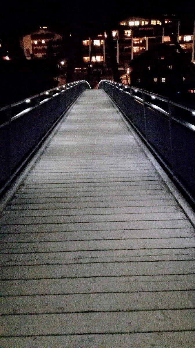 Most łączący centrum Serfaus z częścią miejscowości St . Zeno - © Tomasz Wojciechowski