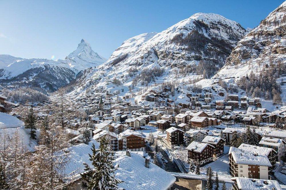 - © Zermatt Matterhorn/Facebook