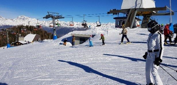 Pila - poca neve piste molto curate - © Anonimo