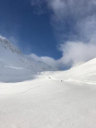 Tignes - Après une journée de neige hier, temps plus clair aujourd'hui avec beaucoup de vent et très froid -11° - © Fred