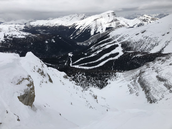 Sunshine Village - Not much (new) snow but Delirium is open - © Eugen's iPhone