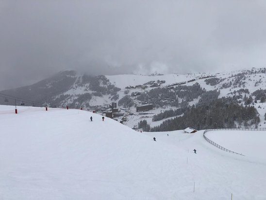 La Plagne - No blue ski but plenty of powder - © iPhone Tony