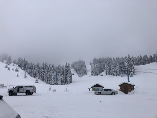 Brundage Mountain Resort - Started to clear up by end of day, snow feels great! Should be a great clearer day tomorrow and we will be here!   - © Cassi's Phone