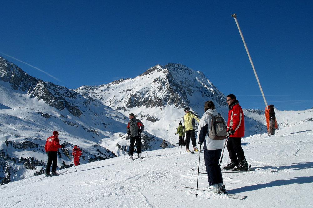 Skiers at Aussois, France. - © OT d'Aussois