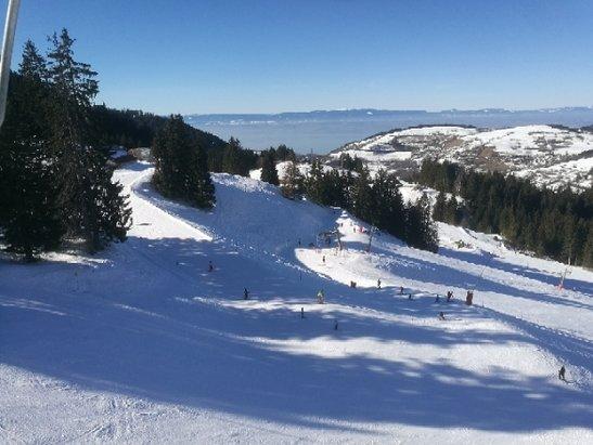 Bernex - la neige est bonne et super soleil - © serge