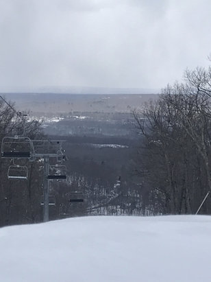 Shawnee Mountain Ski Area - All trails were open with 2 lifts, no waiting! Great day on the slopes! - © John 's Phone