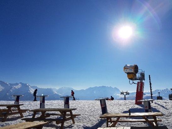 Alpe d'Huez - Belle poudreuse le matin. Moyen l'apr - © Mélissa D.