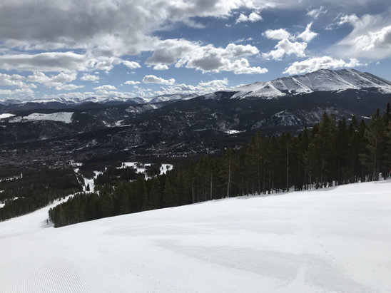 Breckenridge - Rain in Breck = fake news Little flurries are starting today. Skied yesterday too and both days = fantastic! No lines - © J Helton