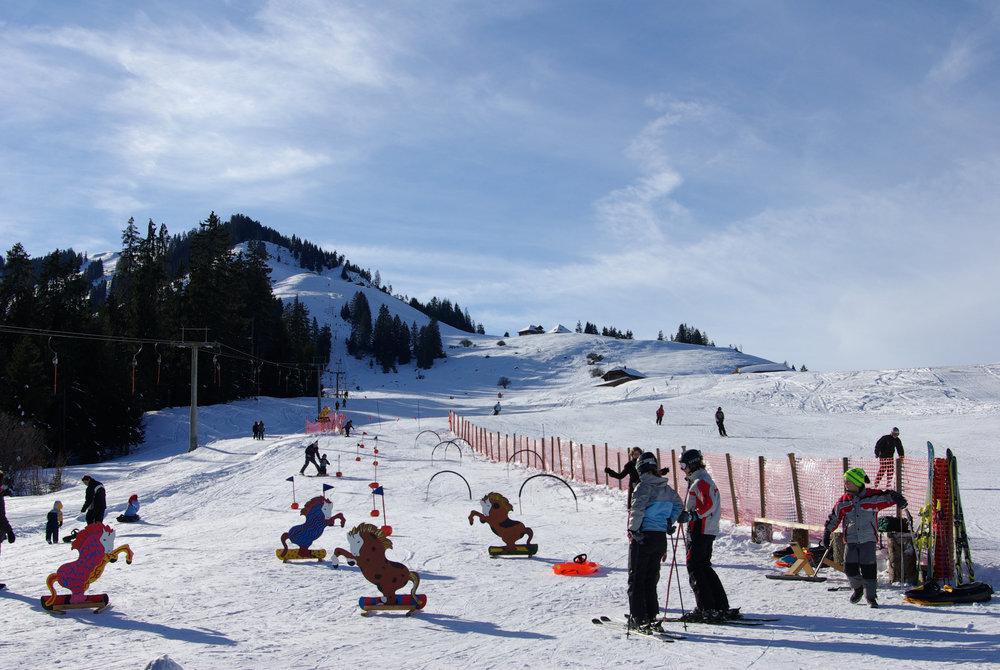 Kinderland im Skigebiet Rossberg - Oberwil - © Skilift Rossberg AG