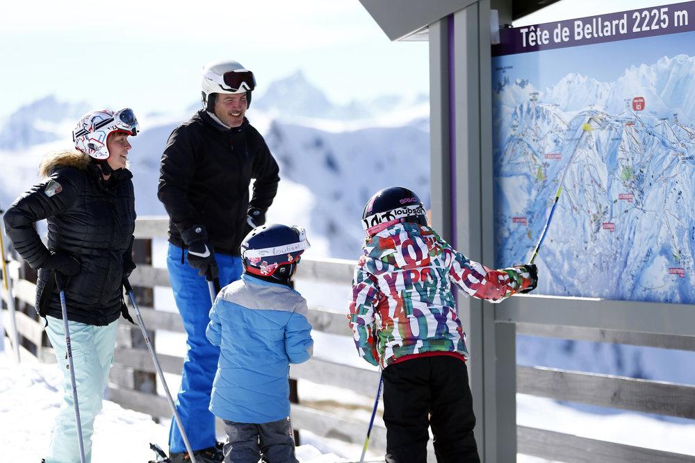 Ski en famille sur le domaine skiable des Sybelles - © Agence Zoom - Christophe Pallot