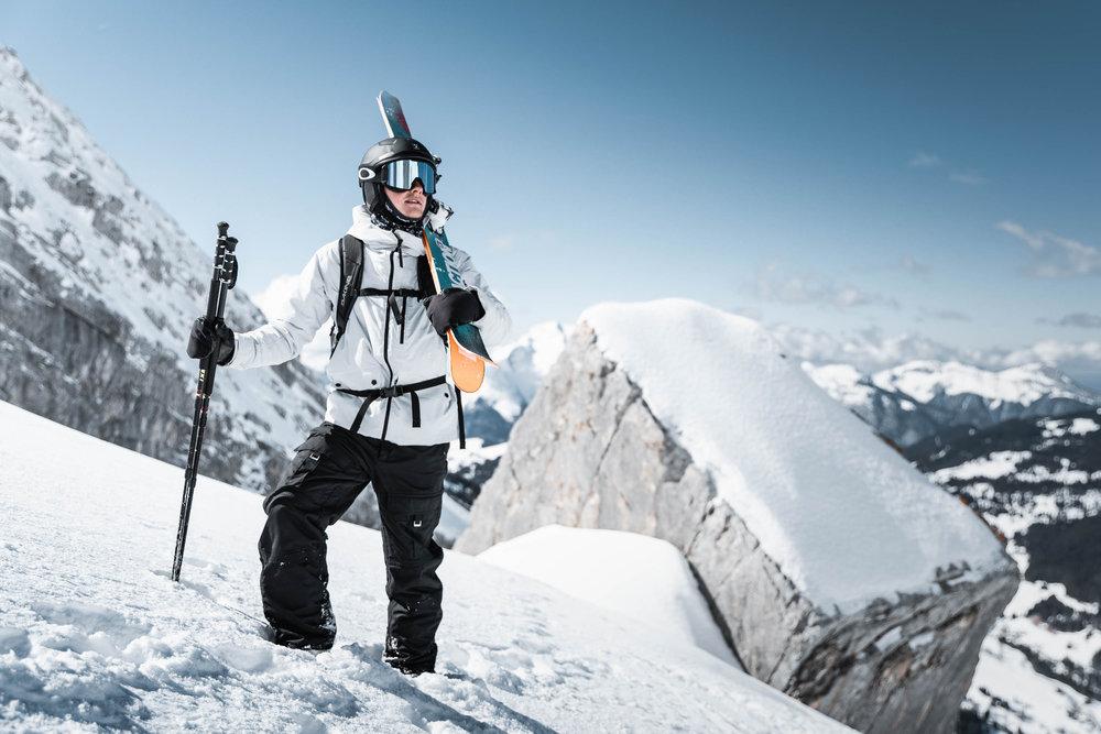 Encore une belle journée de glisse en perspective sur le domaine skiable de La Clusaz - © Clément Hudry / OT La Clusaz