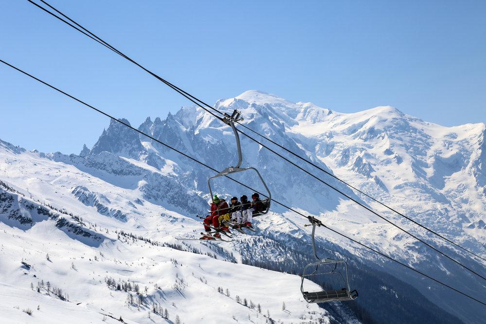 A Chamonix, une simple montée en télésiège se transforme en exposition à ciel ouvert... - © Office de Tourisme Vallée de Chamonix - Salome Abrial