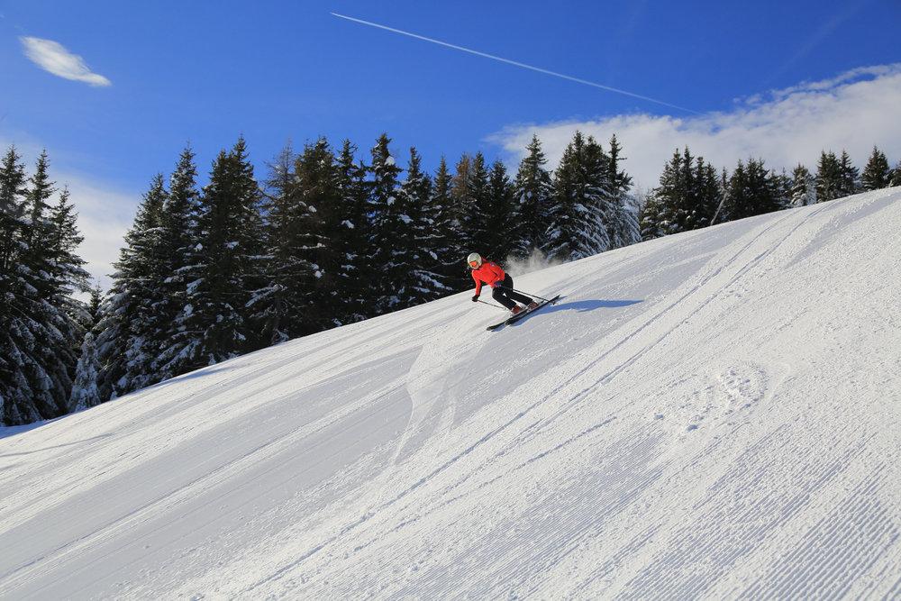 Encore une belle journée de glisse en perspective sur les pistes enneigées de Chamonix - © Office de Tourisme Vallée de Chamonix - Salome Abrial