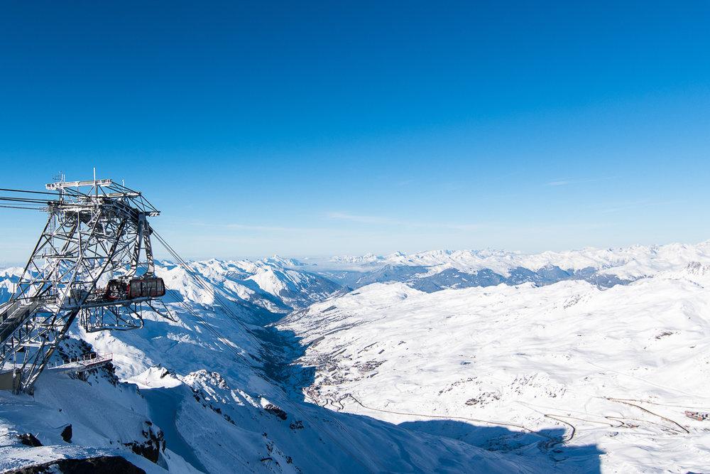 Installations confortables et rapides, équipements dernier cri... Pour vous permettre de tutoyer les sommets, Val Thorens ne lésine pas. Bienvenue dans la meilleure station de ski du monde ! - © T. Loubere / OT Val Thorens