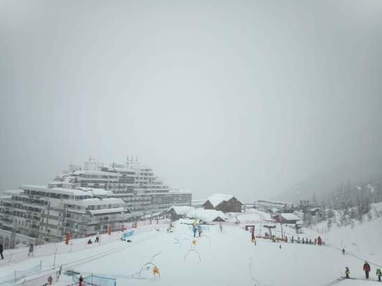 Puy-Saint-Vincent - Sous la neige encore et toujours... - © Hervé