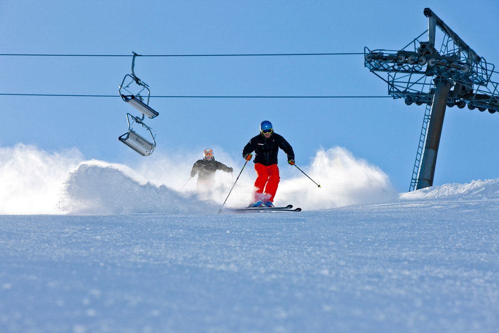 Skifahrer im Skigebiet Planneralm - © Plattform Planneralm 3000 | www.planneralm.at