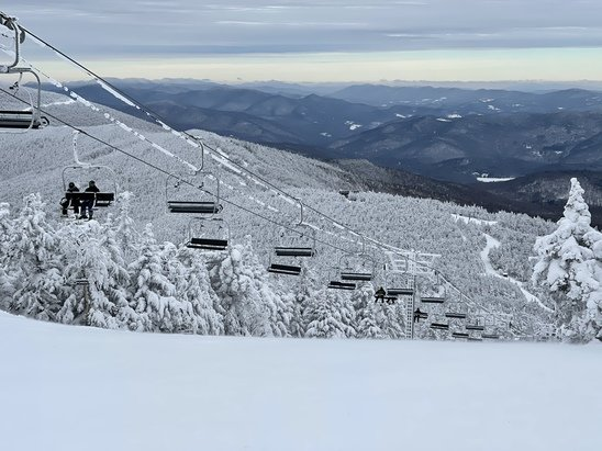 Killington Resort - Great conditions and few crowds.  Not a lick of ice anywhere on the mountain.  Glades are rather scratchy but definitely skiable.  Gotta love The Beast during midweek...what a joy. - © Anonymous