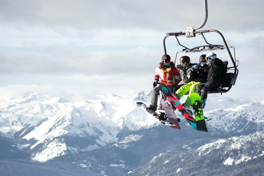 Mascarilla: Un complemento más en las estaciones de esquí - © Pamela Saunders