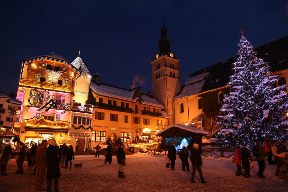 Megeve village at Christmas.  - © Credit Simon Garnier