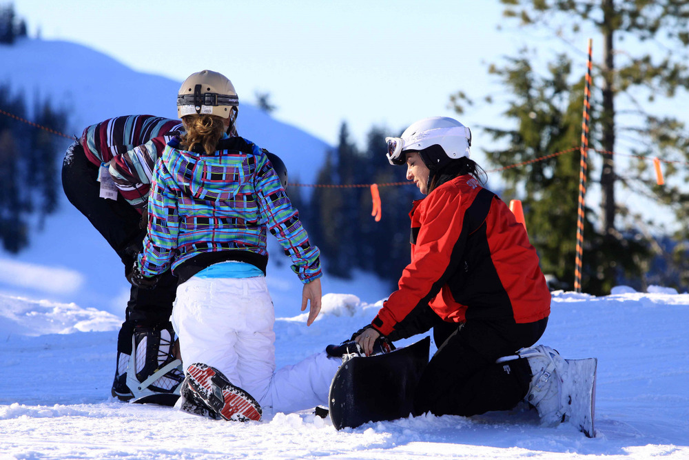Snowboard class at Silver Mountain. Photo courtesy of Ski NW Rockies. - © Ski NW Rockies