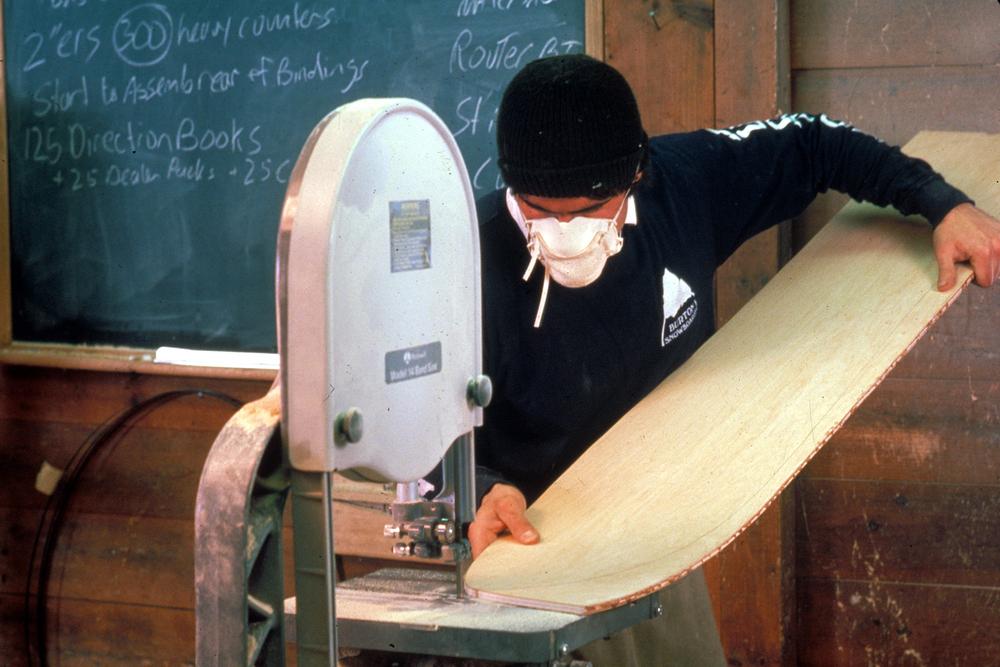 Snowboardproductie bij Burton - © The Burton Corporation