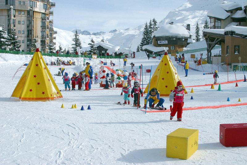 Les jardins des neiges, passage obligé des skieurs en culottes courtes... - © ESI