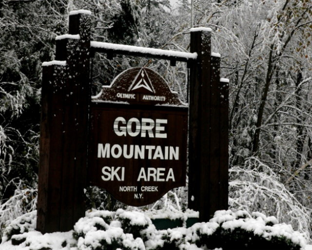 A sign to the entrance of Gode Mountain Ski Area, New York