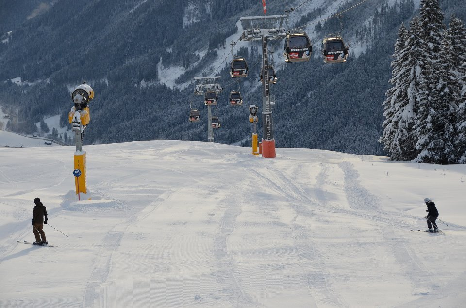 First skiers in Saalbach-Hinterglemm. Dec. 7, 2012 - © Saalbach-Hinterglemm