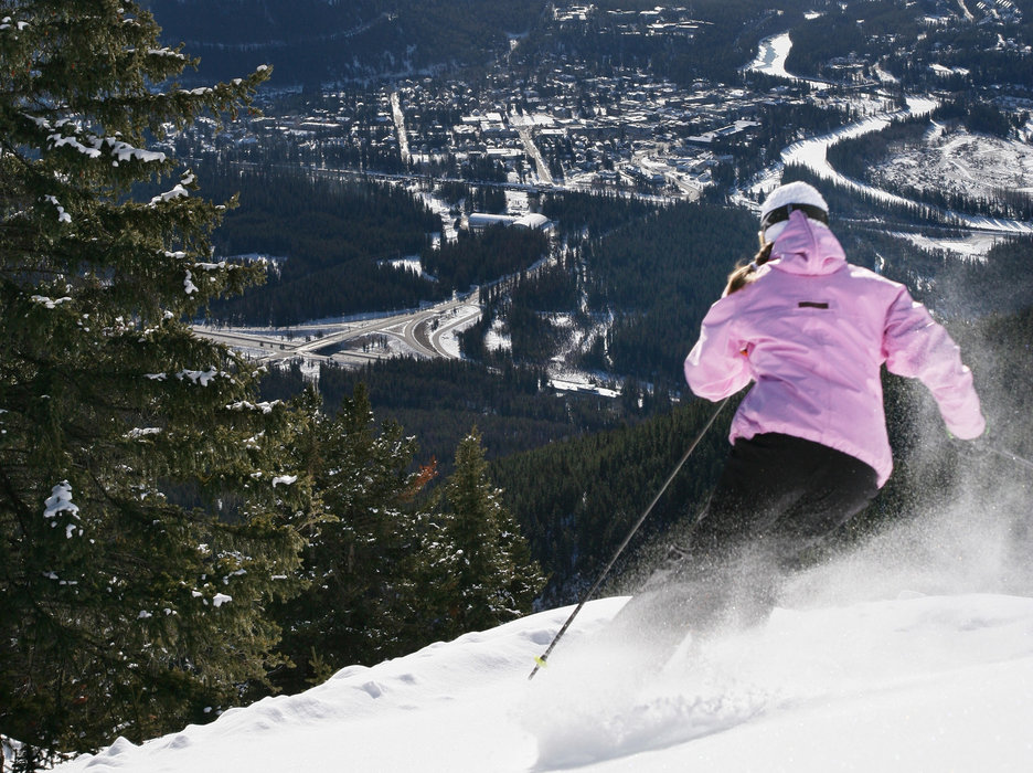Ski Banff @ Norquay - © Ski Banff Lake Louise Sunshine