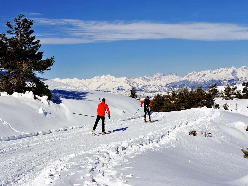 Les joies de la glisse en ski de fond à Gréolières les Neiges