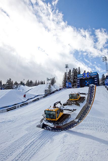 What keeps the Superpipe safe and looking good? Only the best groomers around. - © Sasha Coben
