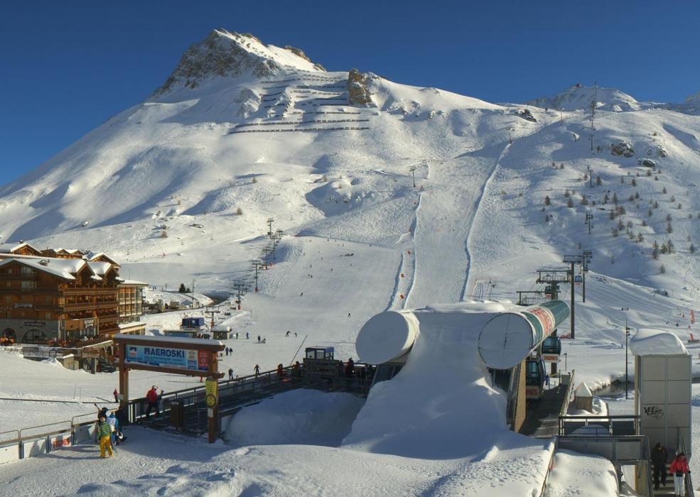 Neige et soleil sont au rendez-vous sur le domaine skiable de Tignes (22 janv. 2013)