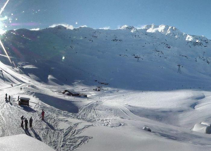 Neige et soleil sont au rendez-vous sur le domaine skiable de Val Thorens (22 janv. 2013)