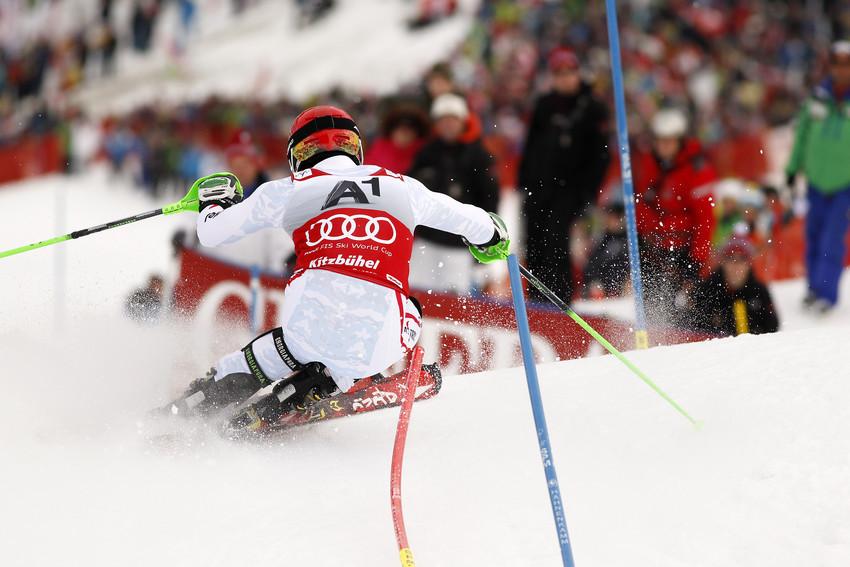 Wahnsinnig beweglich: Marcel Hirscher setzte 2013 skitechnisch die Standards  - © Hook BADERZ/AGENCE ZOOM