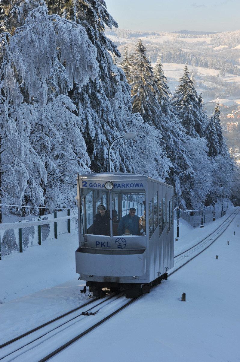 Schienenbahn im Skigebiet Góra Parkowa (POL) - © Polskie Koleje Linowe